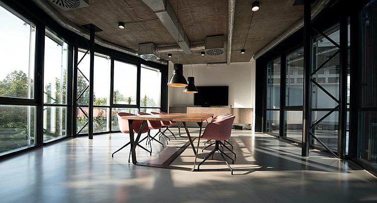 Jak wybrać klimatyzację do biura?